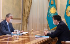 President Kassym-Jomart Tokayev receives Chairman of the Anti-Corruption Agency Alik Shpekbayev